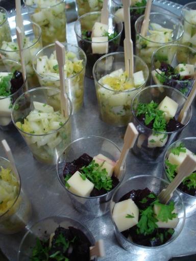Bietensalade met Petit Doruvael en verse tijm / venkelsalade met sinaasappel en munt