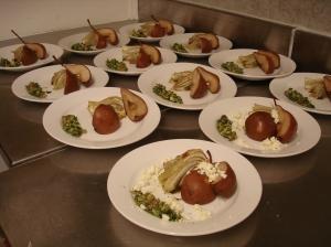 Salade met gegrilde venkel  en peer, zelfgemaakte ricotta en pesto