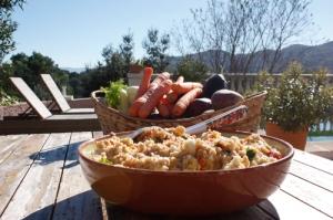 Spelt gierst salade met herfstgroenten en grapefruit